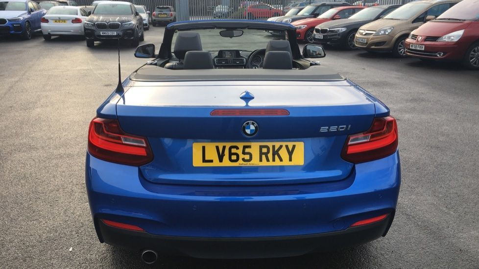 Image 25 - BMW 220i M Sport Convertible (LV65RKY)