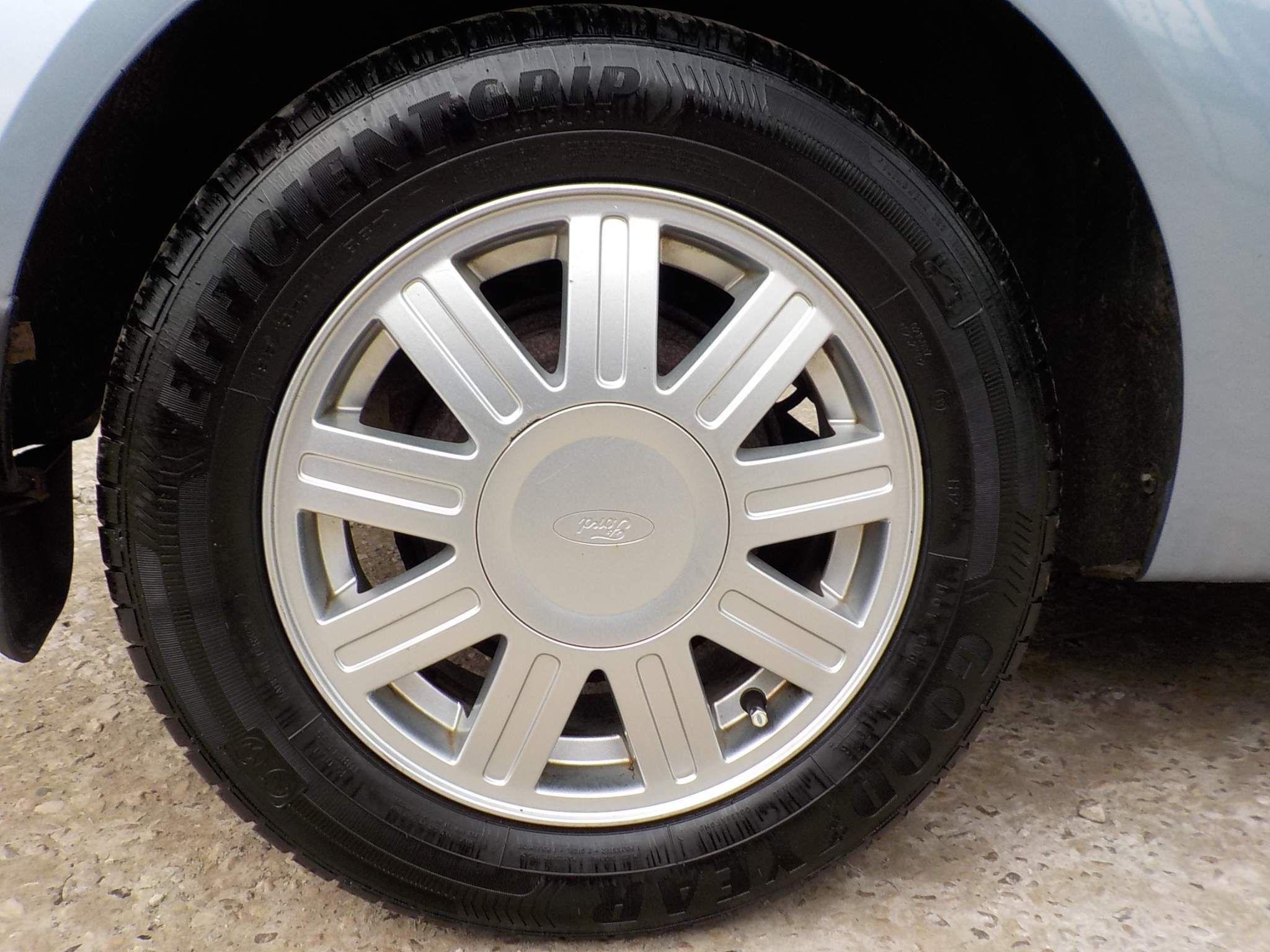 Ford Fiesta 1.4 Ghia 3dr