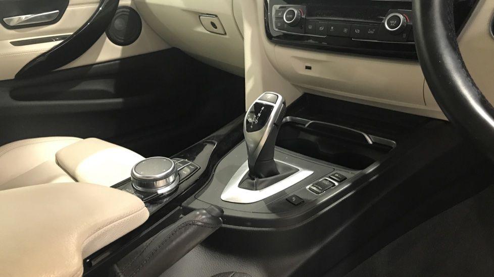 Image 10 - BMW 430d M Sport Coupe (YF67DLE)