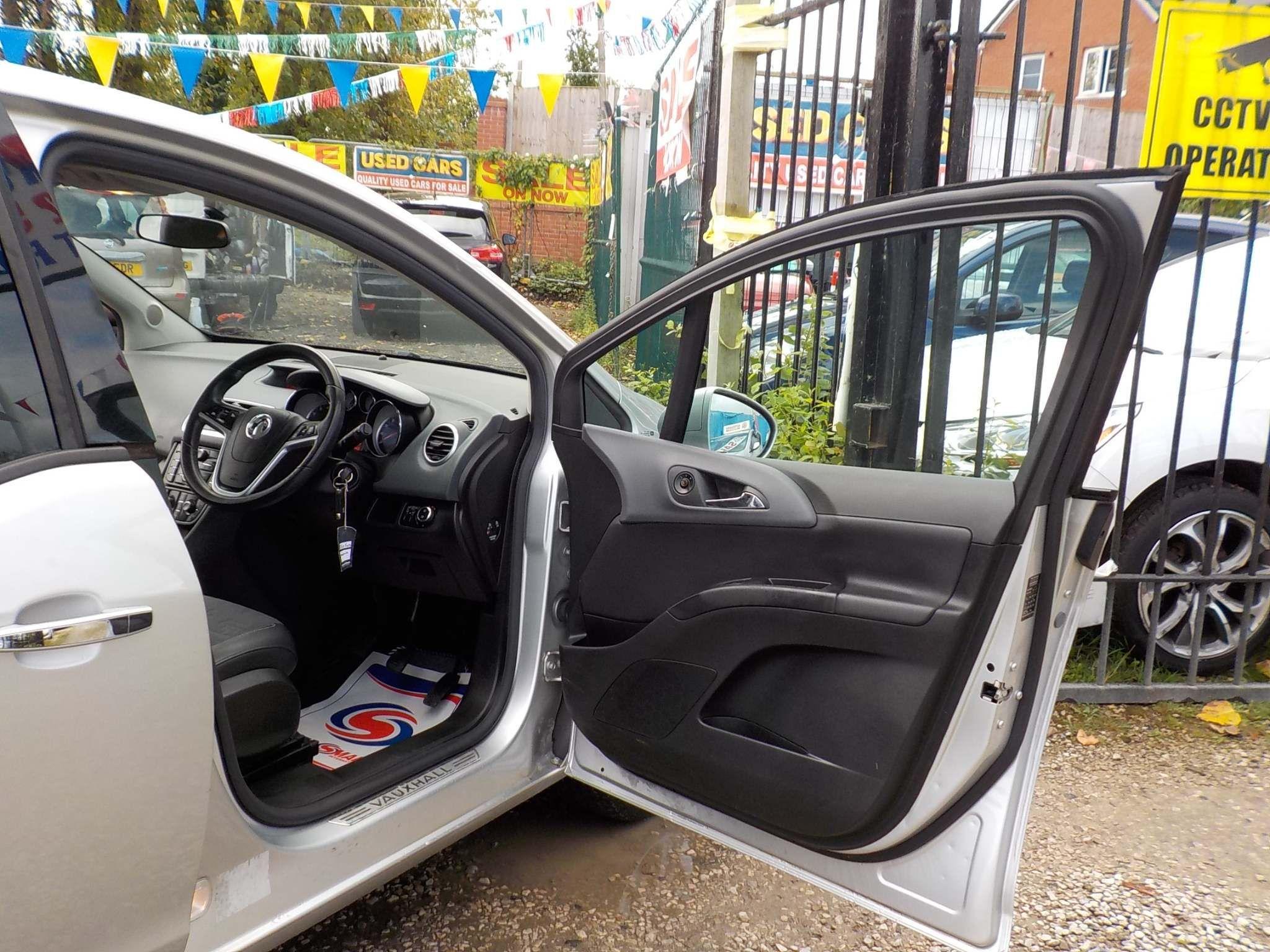 Vauxhall Meriva 1.4 i 16v SE 5dr (a/c)