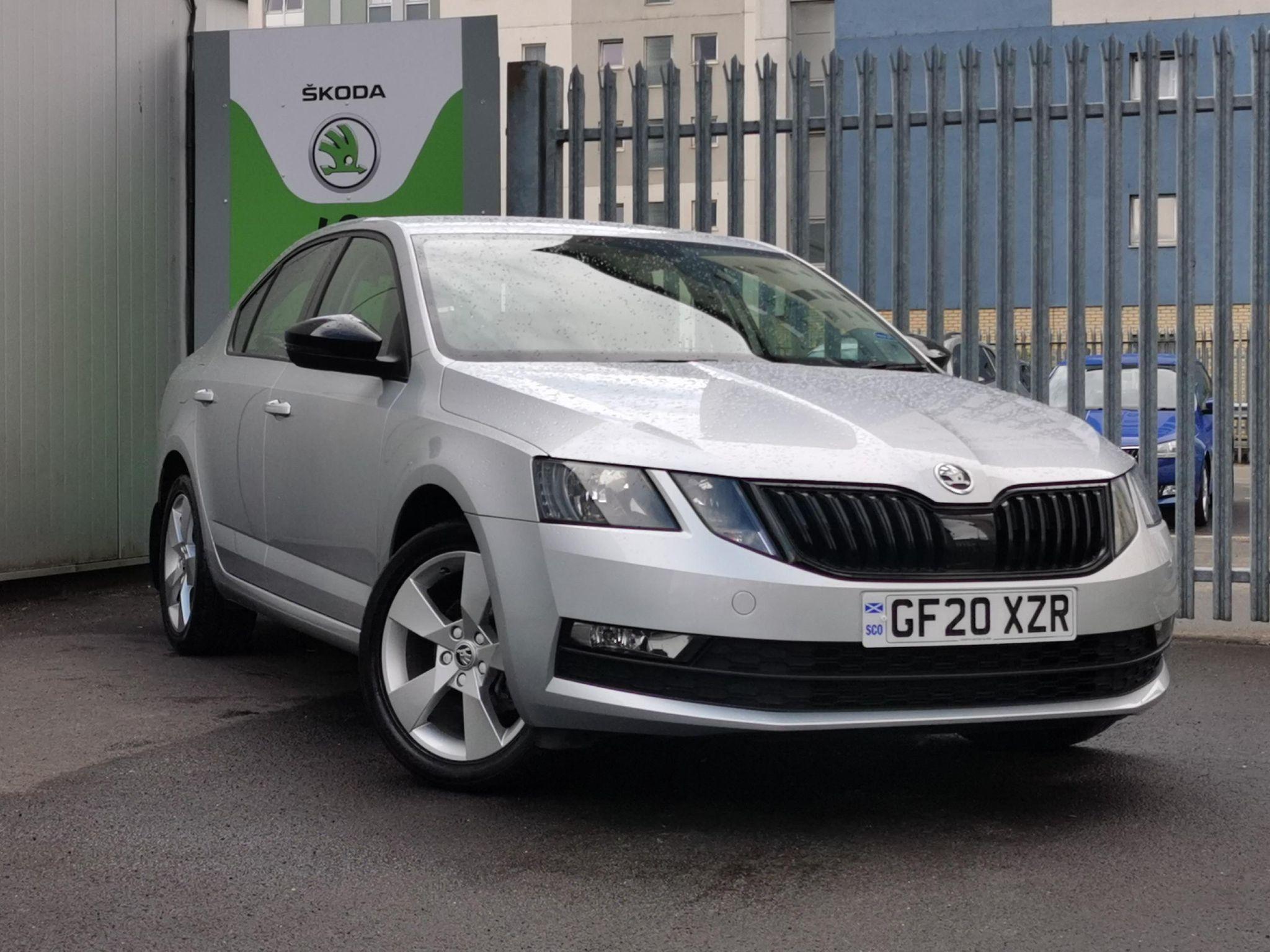 ŠKODA Octavia Hatchback 1.5 TSI SE Drive ACT (150ps) DSG