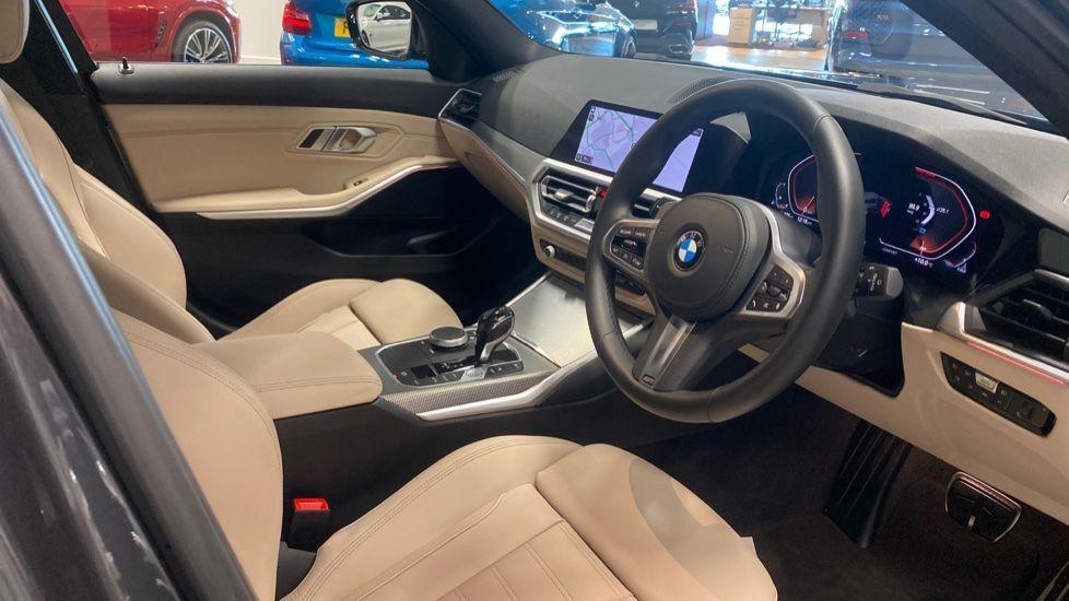 Image 5 - BMW 320i M Sport Touring (YG20JLV)