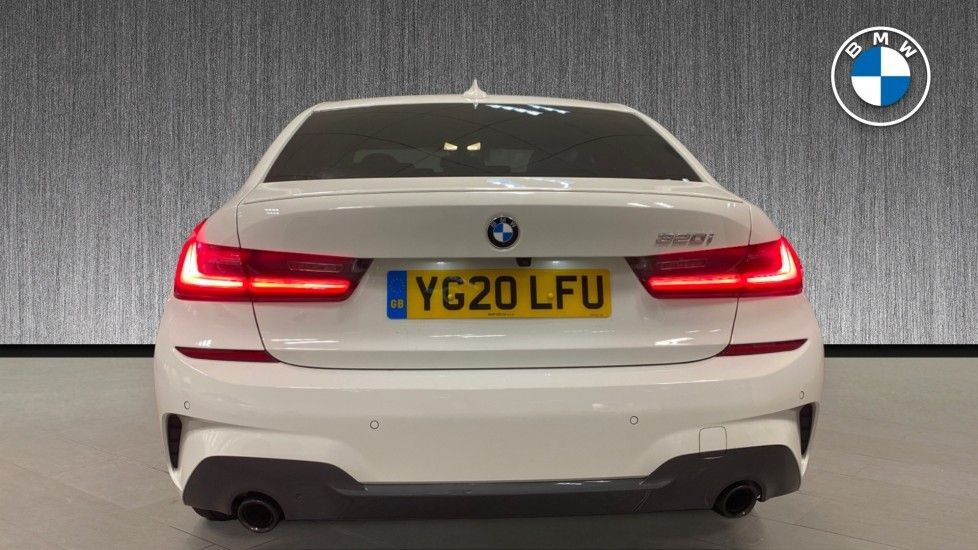 Image 15 - BMW 320i M Sport Saloon (YG20LFU)