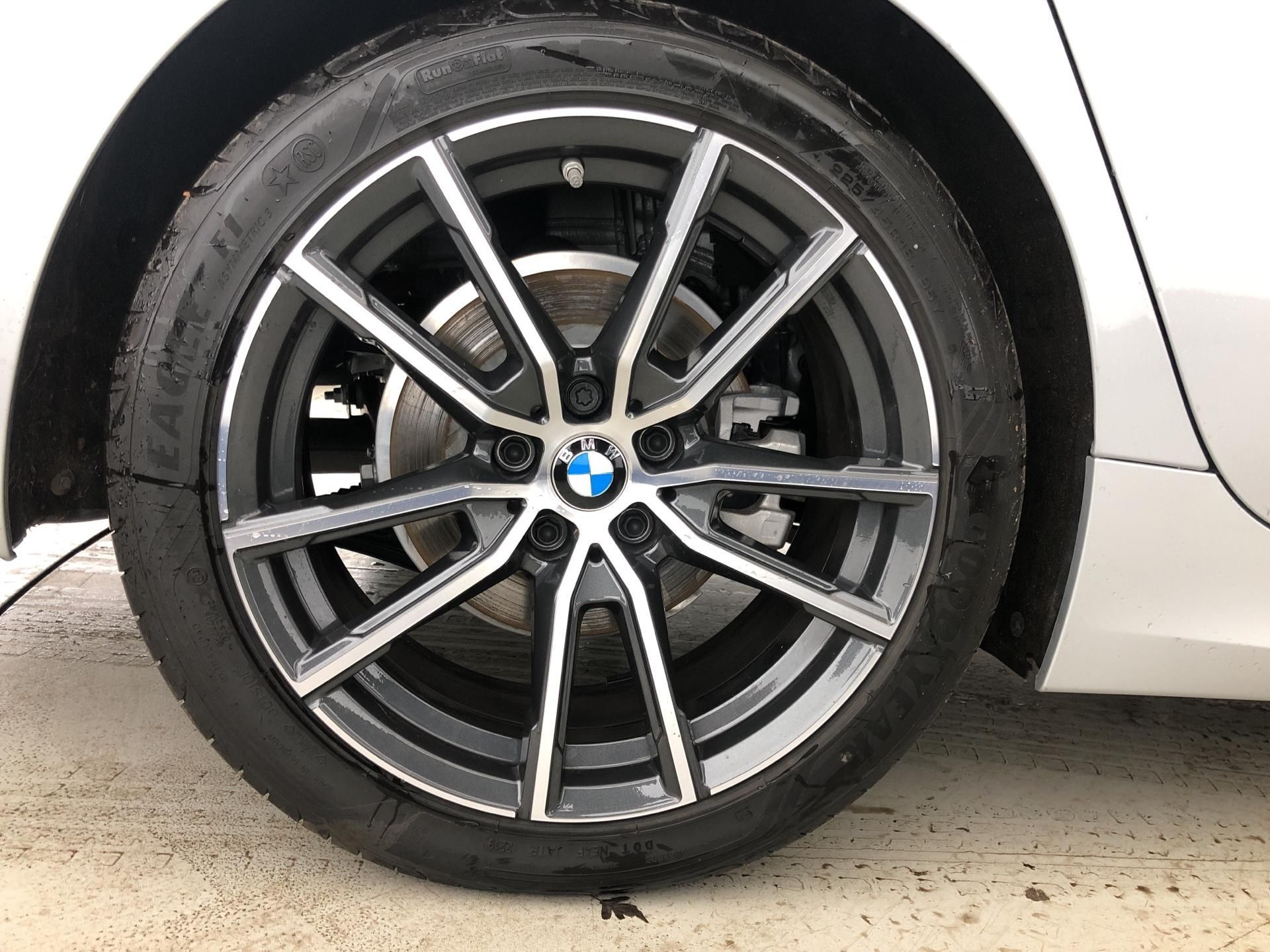 Image 7 - BMW 320d xDrive Sport Touring (YG69HWH)