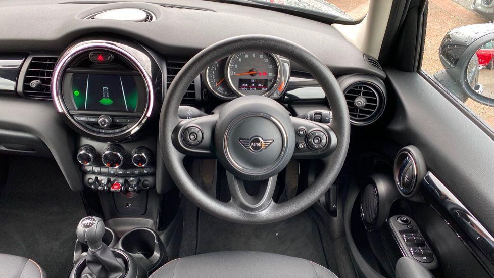 Image 8 - MINI Hatch (MX69WRG)
