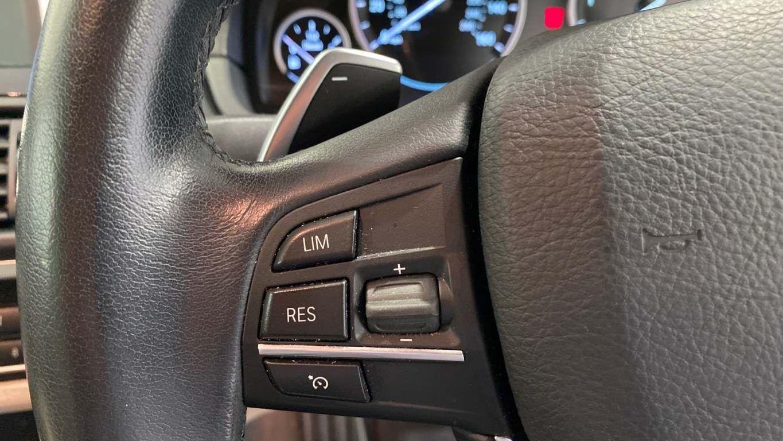 Image 10 - BMW 520d SE Touring (CY16SXZ)