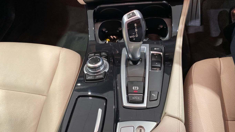 Image 9 - BMW 520d SE Touring (CY16SXZ)