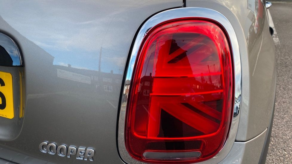 Image 21 - MINI Hatch (YG20XXS)