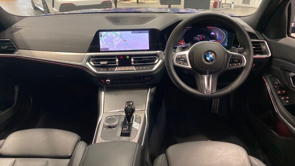 Image 4 - BMW 320d M Sport Saloon (YB69WNR)