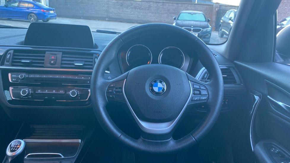 Image 8 - BMW 118i Sport 5-door (ML68OLU)