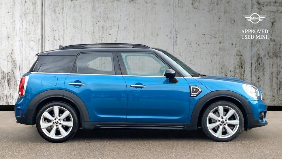 Image 3 - MINI Countryman (MJ18YXG)