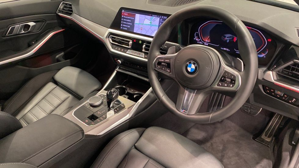 Image 4 - BMW 320i M Sport Touring (YG20DNX)