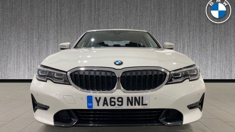 Image 16 - BMW 318d Sport Saloon (YA69NNL)