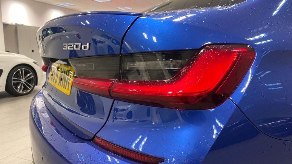 Image 22 - BMW 320d M Sport Saloon (YB69WNR)