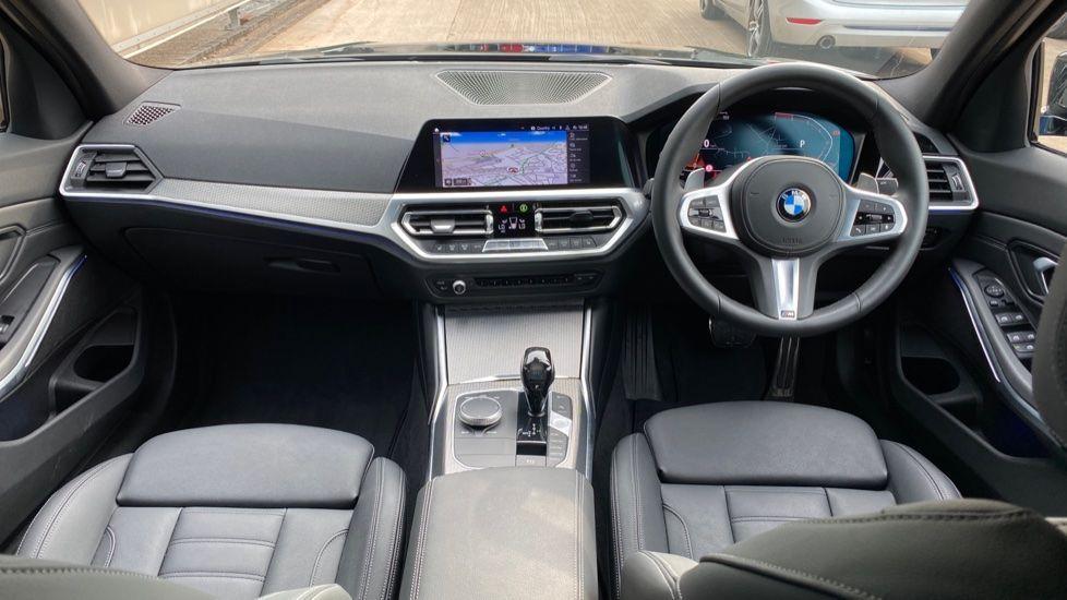 Image 4 - BMW 320i M Sport Saloon (YH20FLJ)