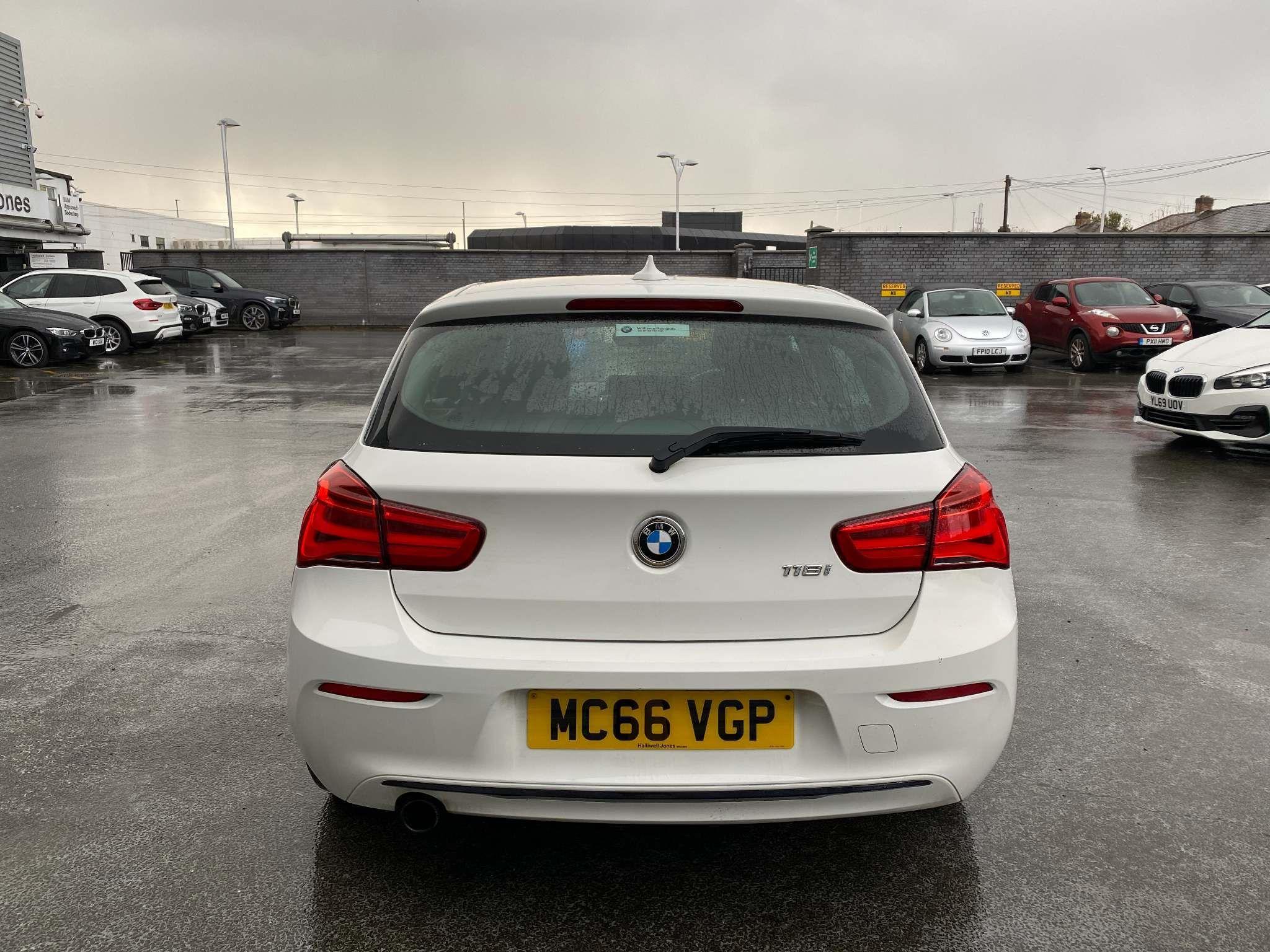 Image 6 - BMW 118i Sport 5-Door (MC66VGP)