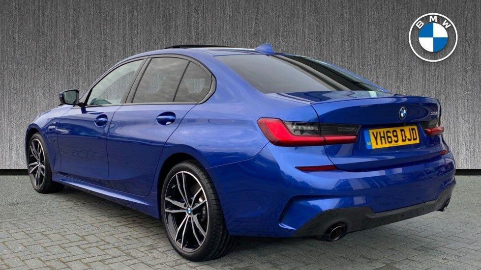 Image 2 - BMW 330e M Sport Saloon (YH69DJD)