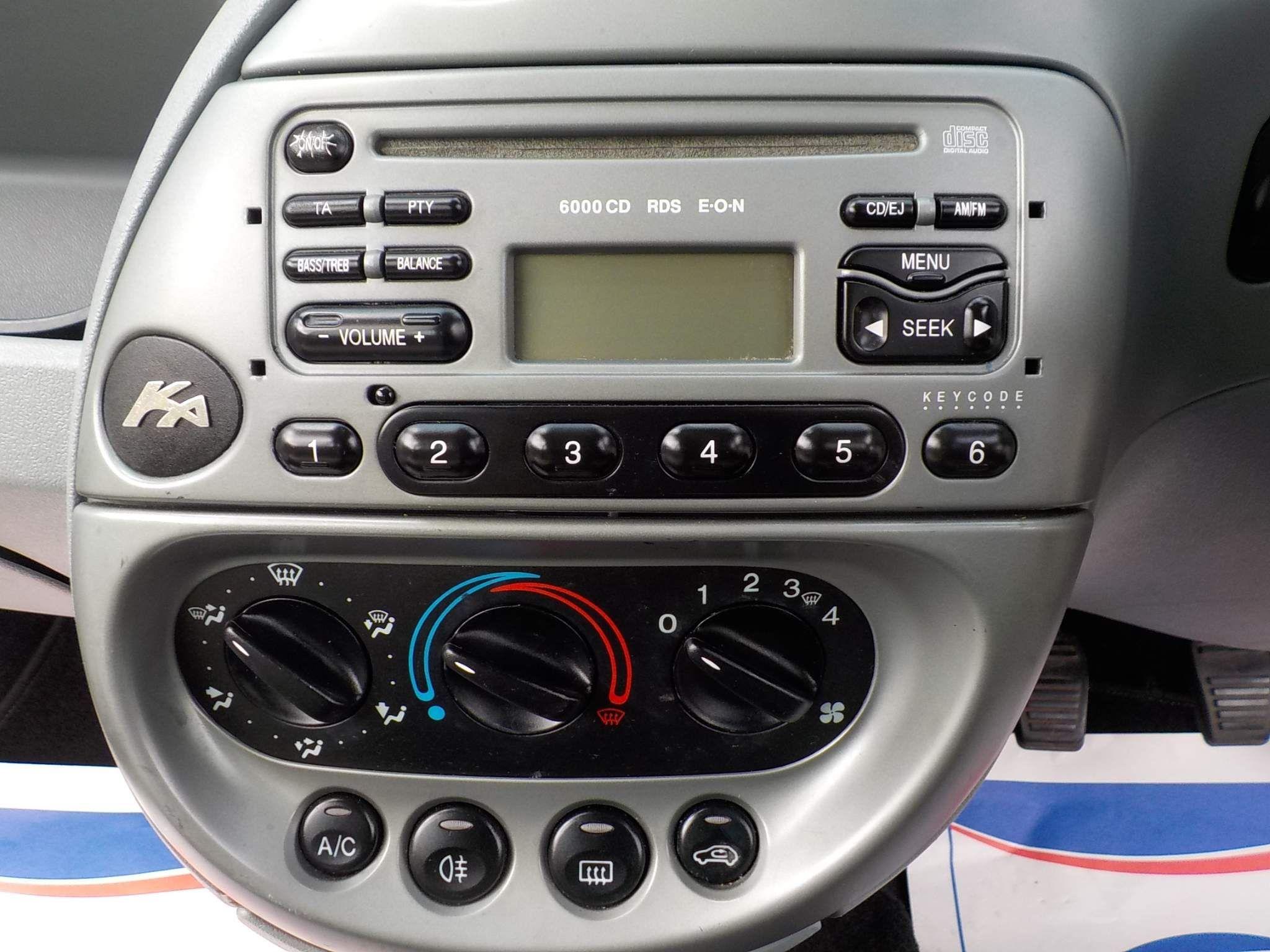 Ford Ka 1.3 Luxury 3dr