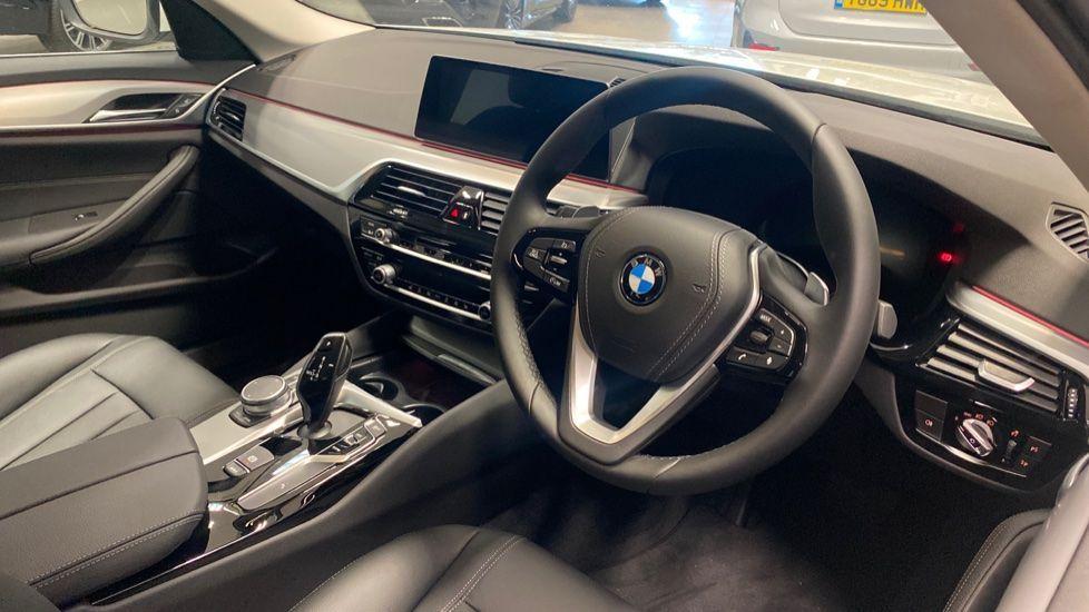 Image 5 - BMW 520d SE Touring (YC20VWA)