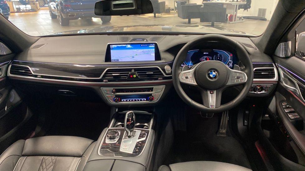 Image 4 - BMW 745Le xDrive M Sport Saloon (YG20OWX)