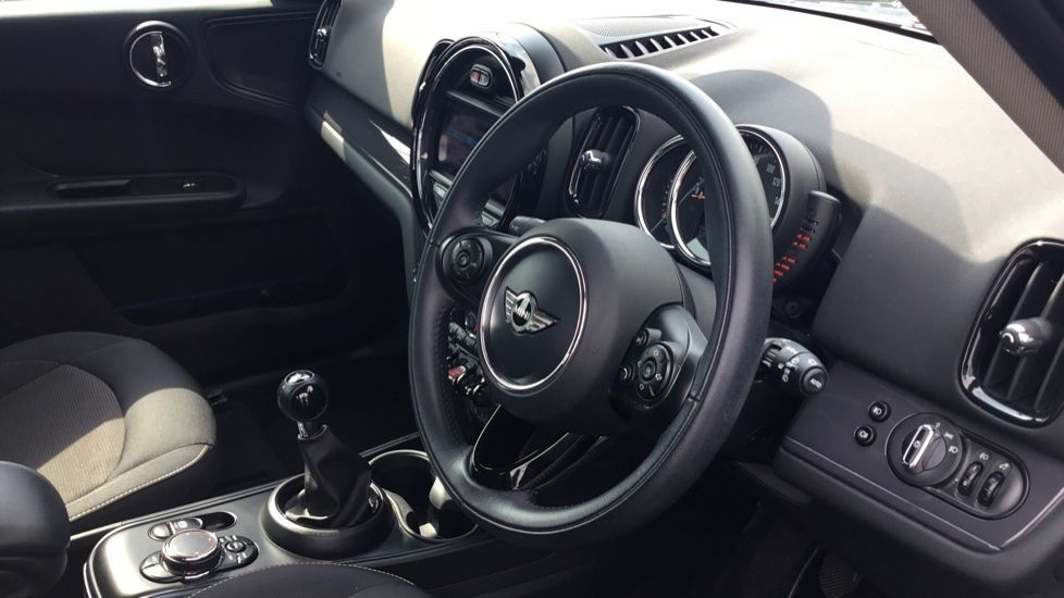 Image 5 - MINI Countryman (CX67RKV)