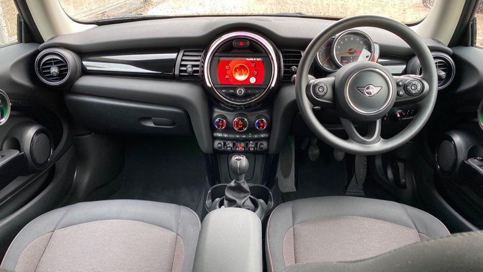 Image 4 - MINI Hatch (MX69WSZ)