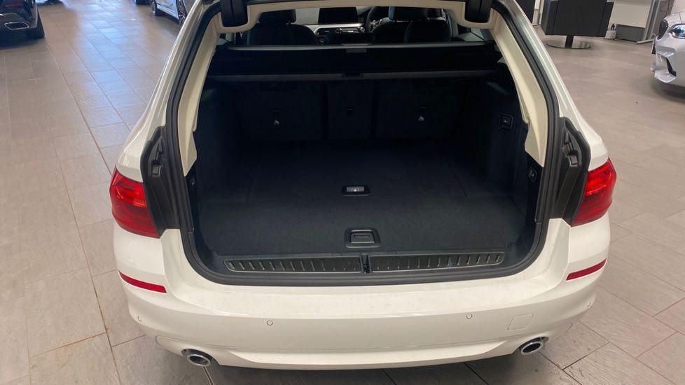 Image 13 - BMW 520d SE Touring (YC20VWA)