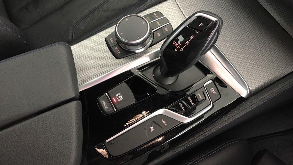 Image 10 - BMW 530e M Sport iPerformance Saloon (YC19ZYW)