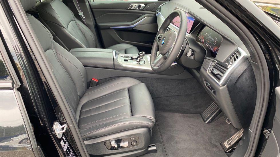 Image 11 - BMW xDrive40i M Sport (YL69YOF)