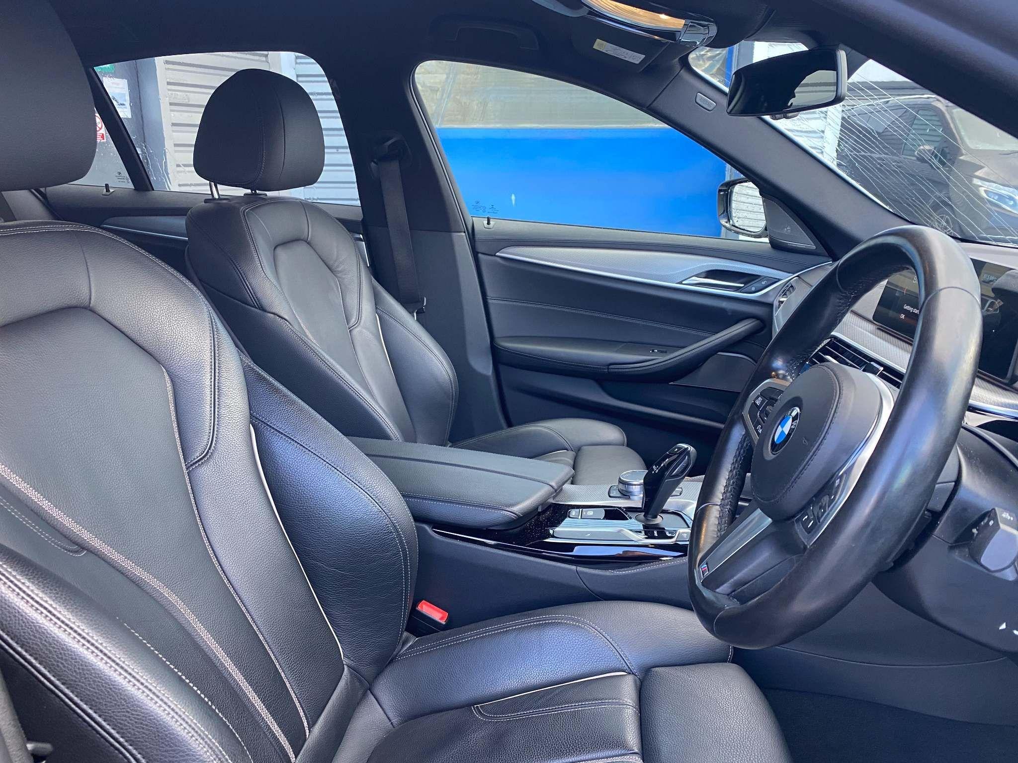Image 12 - BMW 520d M Sport Saloon (MT67UPS)
