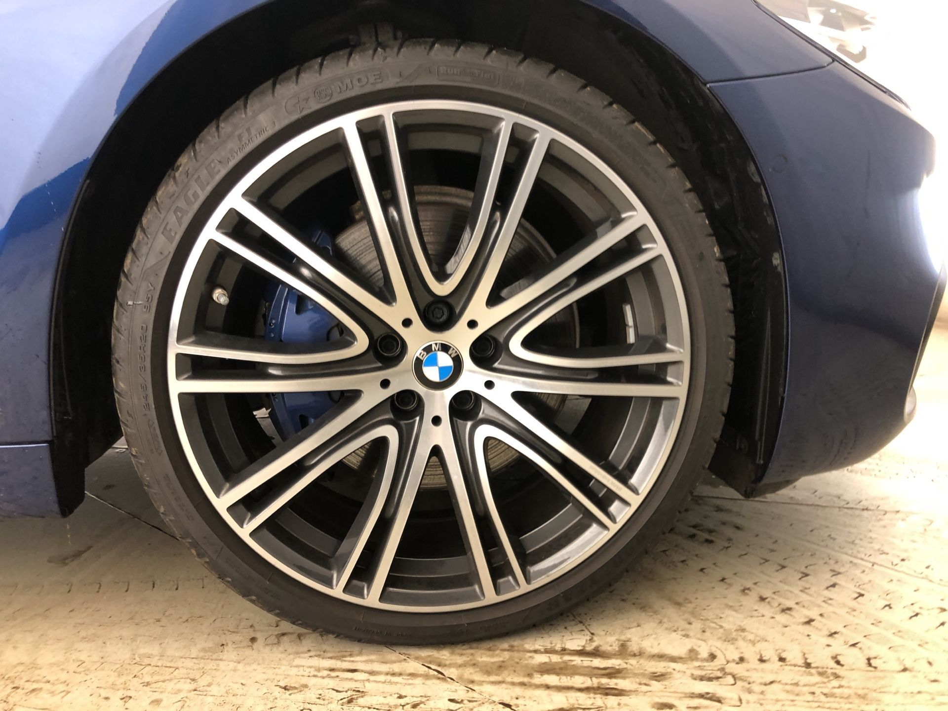 Image 7 - BMW 530e M Sport iPerformance Saloon (YJ68WUP)