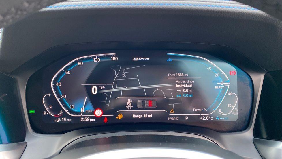 Image 9 - BMW 330e M Sport Touring (MA70HOH)