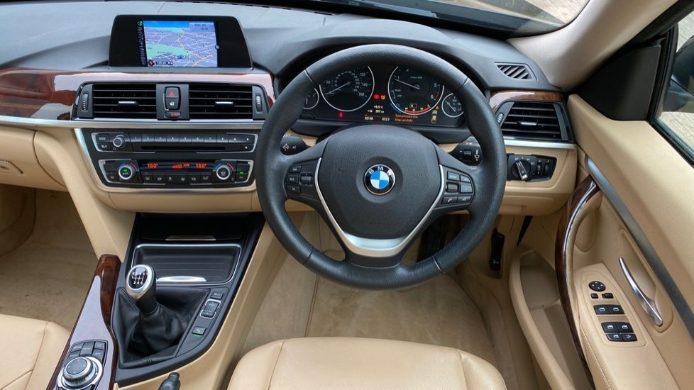 Image 8 - BMW 320d Luxury Gran Turismo (MX64WDM)