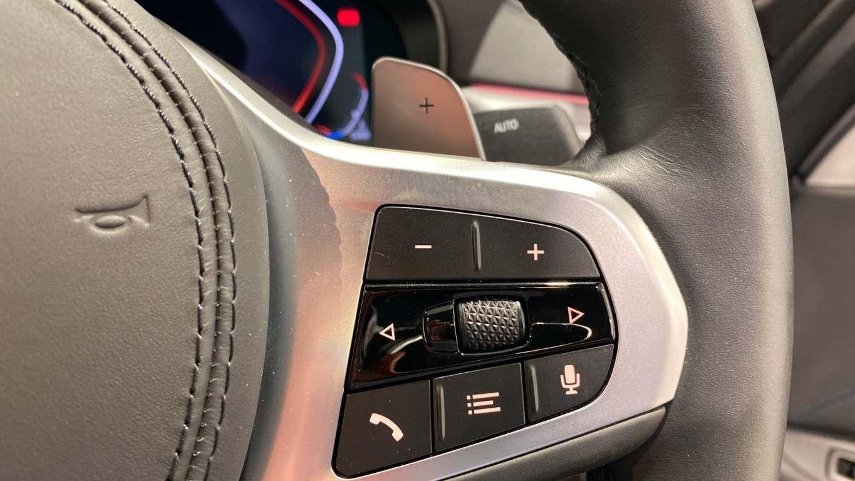 Image 25 - BMW 520d M Sport Saloon (YA69FKW)