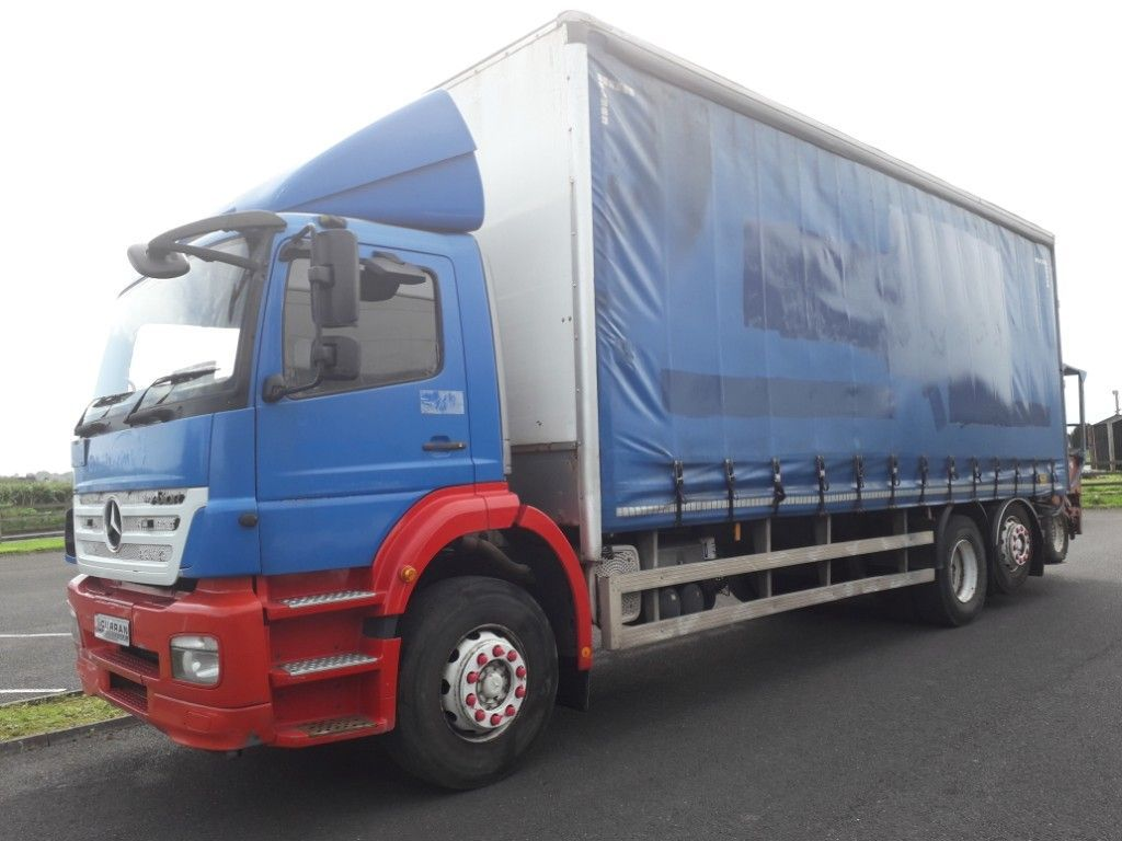 Used Mercedes-Benz Axor Mercedes Axor 1.0 Diesel Rigid With Moffet Forklift (2006)