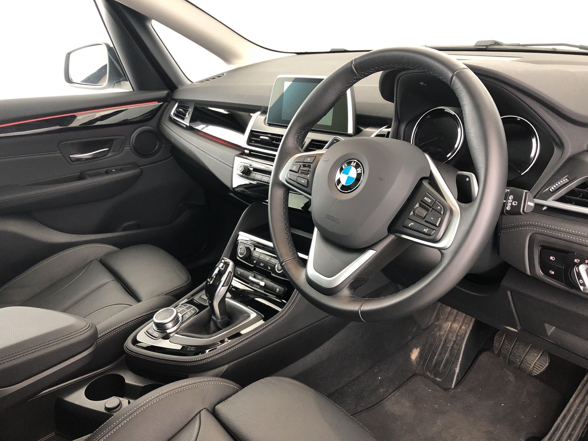Image 4 - BMW 220d xDrive Luxury Active Tourer (YF19HWS)