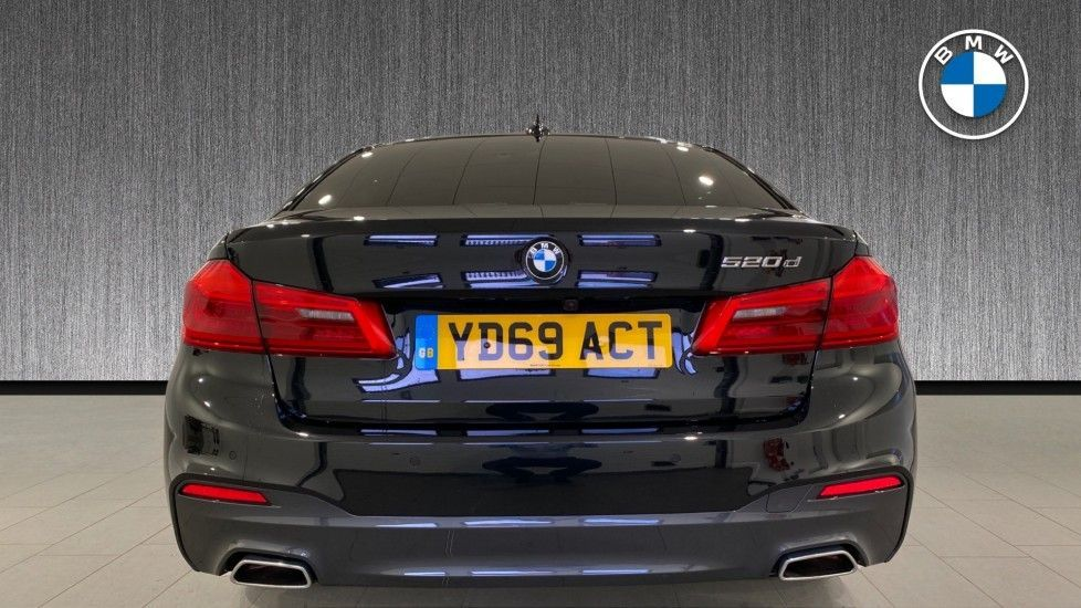 Image 15 - BMW 520d M Sport Saloon (YD69ACT)