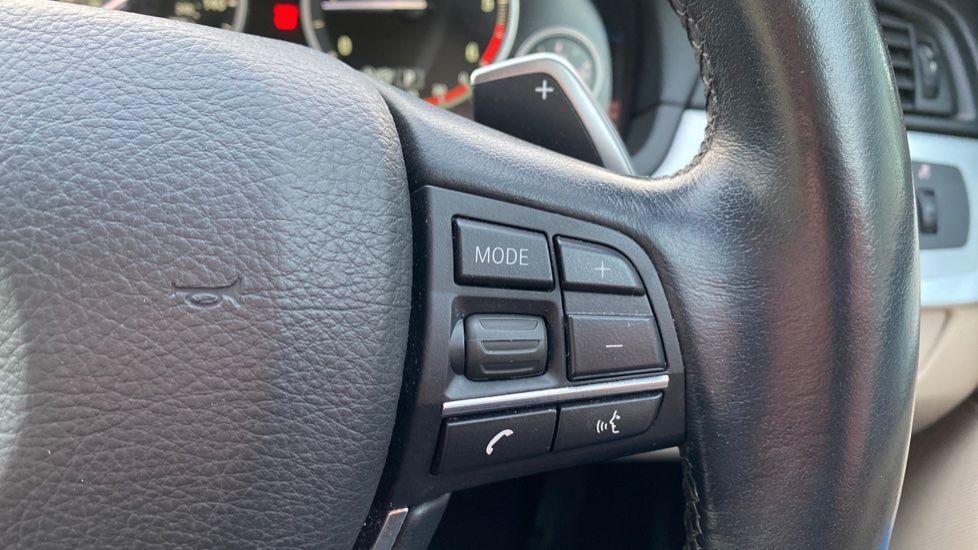Image 18 - BMW 520d SE Touring (YF65WWD)