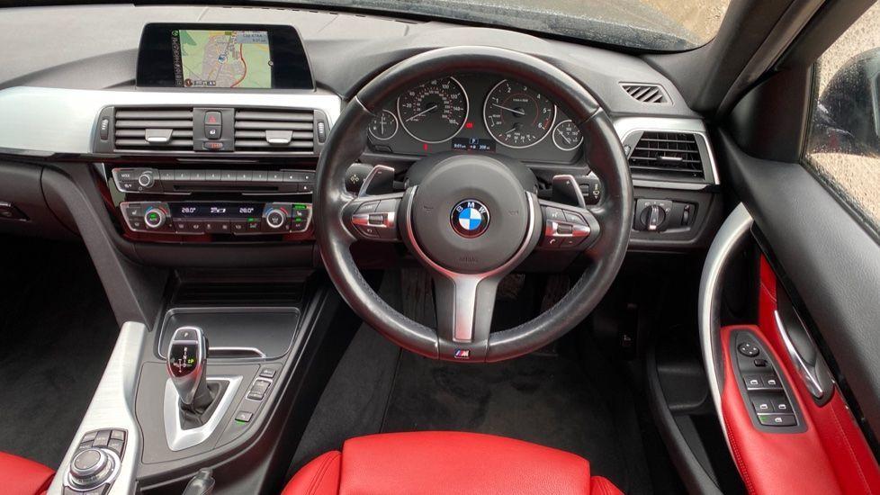 Image 8 - BMW 330d xDrive M Sport Saloon (MJ16GGX)