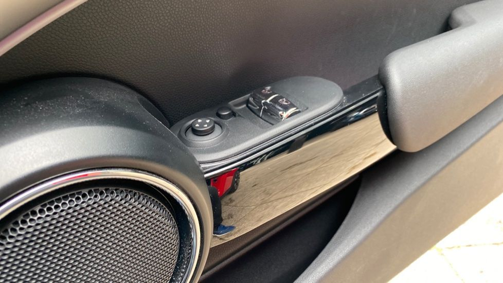 Image 28 - MINI Hatch (DK20JZR)