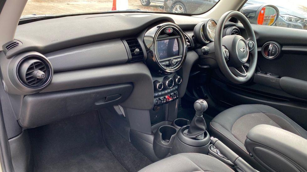 Image 6 - MINI Hatch (MX69WTM)