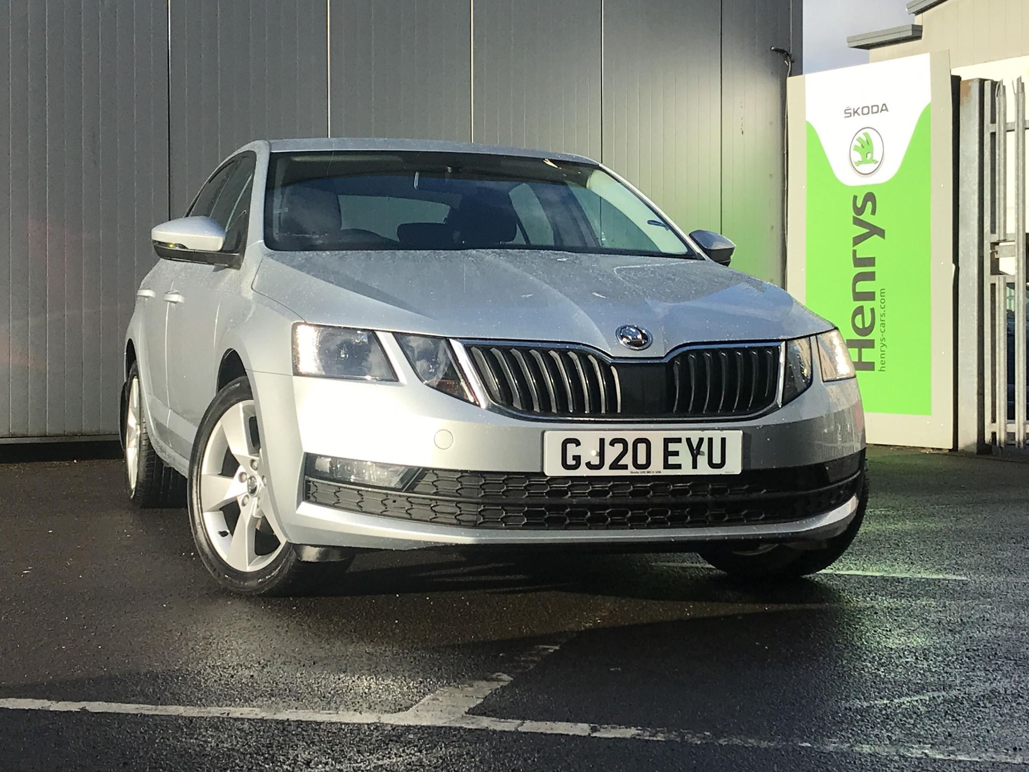 ŠKODA OCTAVIA SE DRIVE TDI Hatchback 1.6TDI SE Drive SCR (115ps)