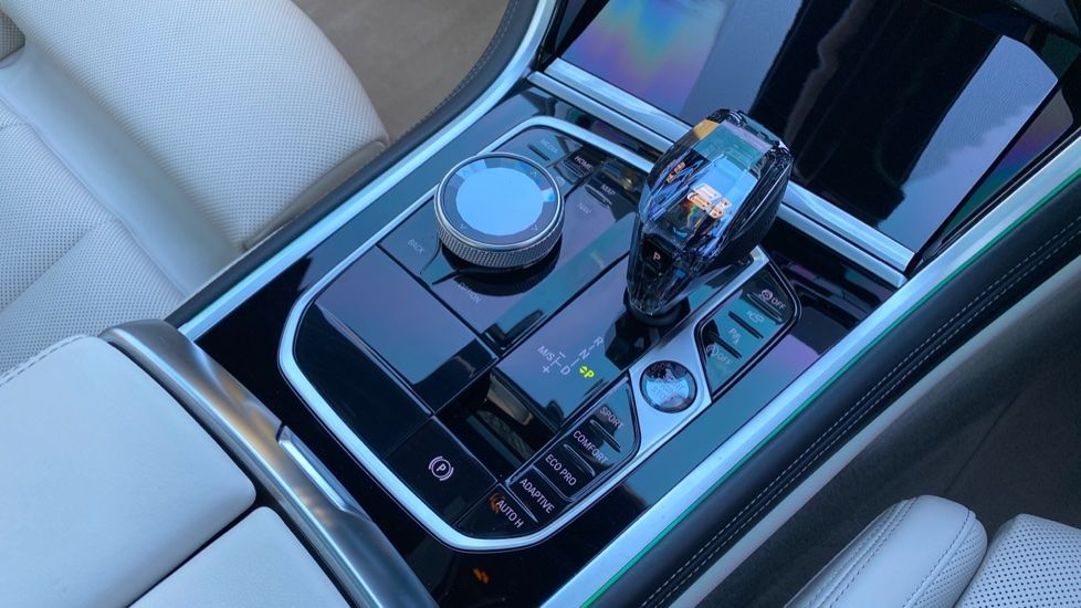 Image 10 - BMW 840i Gran Coupe (YE69WNX)