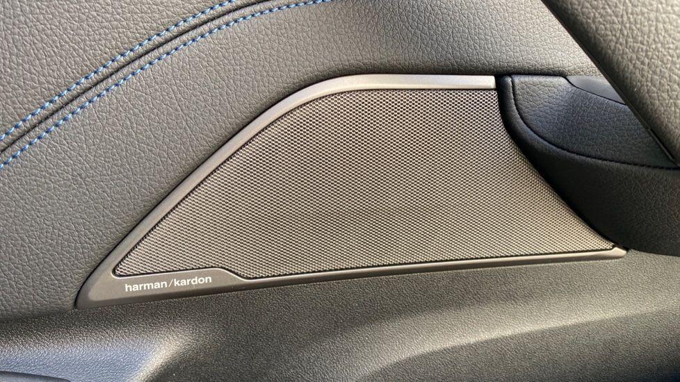 Image 19 - BMW 520i M Sport Saloon (YE69FDM)