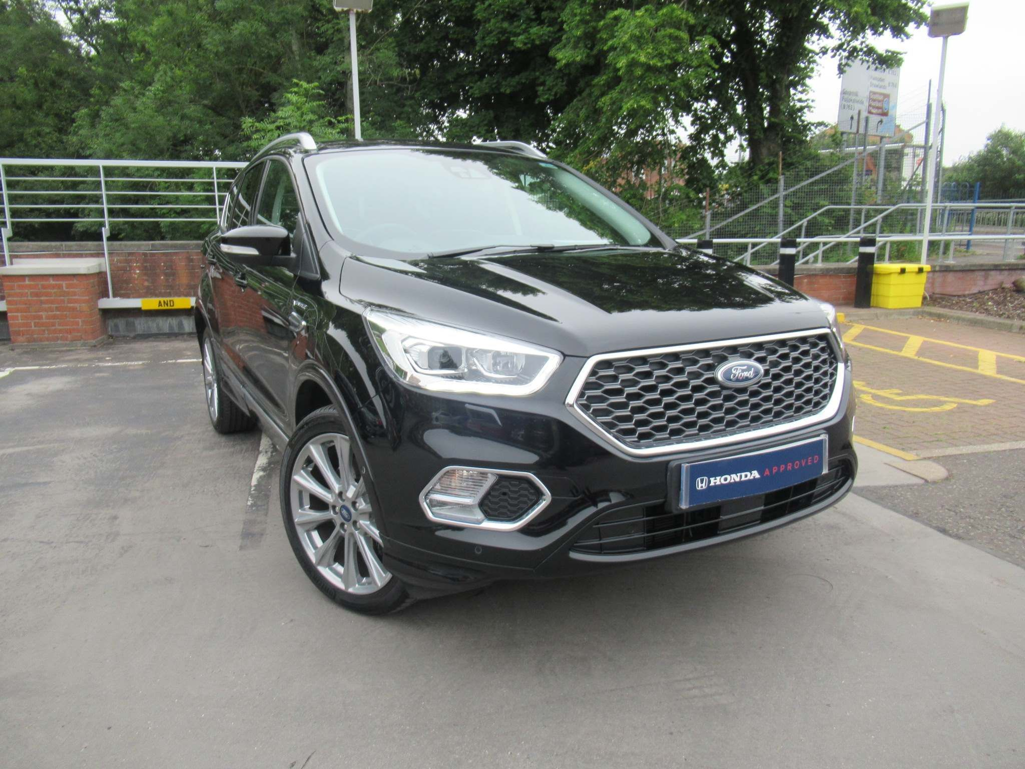 Ford Kuga 1.5T EcoBoost Vignale Auto AWD (s/s) 5dr