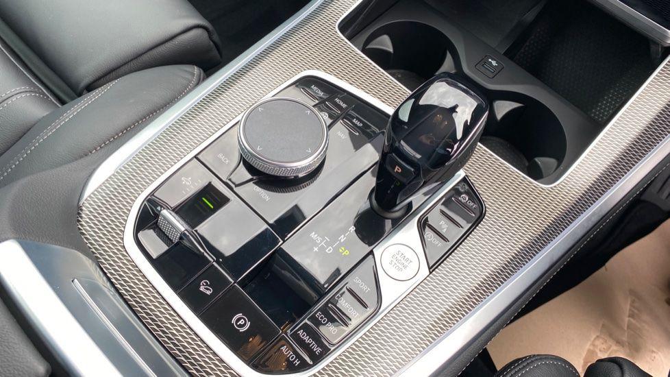 Image 10 - BMW xDrive30d M Sport (YG20OYT)