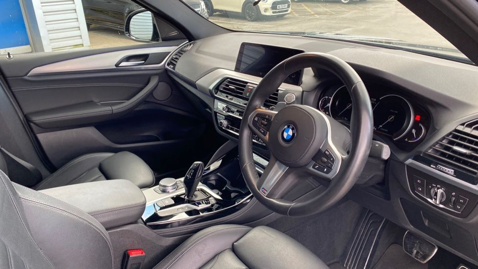 Image 5 - BMW xDrive30d M Sport (MJ19WHP)