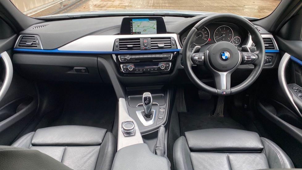 Image 4 - BMW 330d M Sport Saloon (KM68CBY)