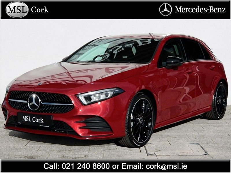 Mercedes-Benz A-Class 180 AMG-Line A/T NIGHT Edition + Smartphone Integration / Ambient Lighting / Multi-spoke Alloys