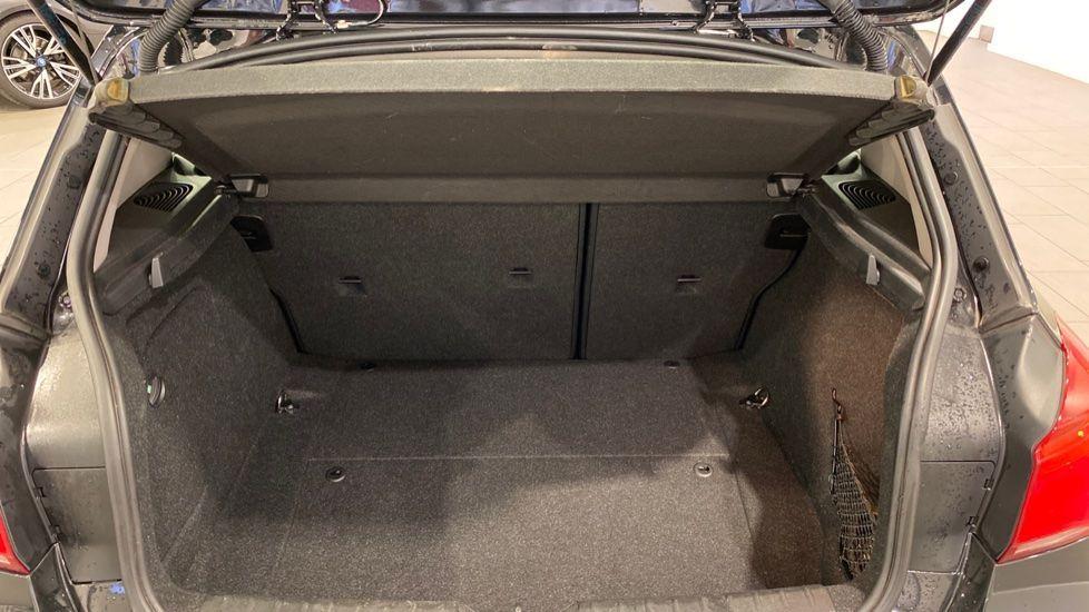 Image 13 - BMW 118i Sport 3-Door (LT17KBV)